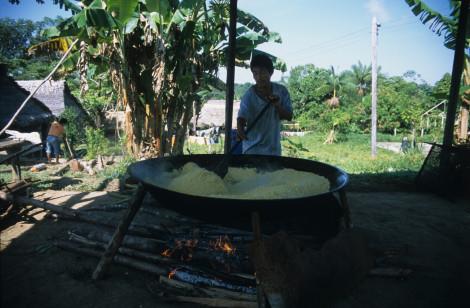 Cooking Manioc