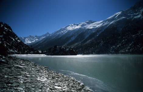 Shores of Rawok-tso Lake